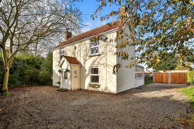 Thumbnail Detached house for sale in Whinburgh Road, Westfield, Dereham