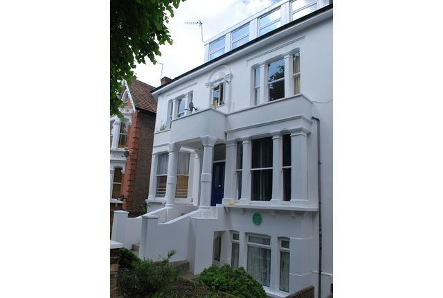 Thumbnail Flat to rent in Avenue Crescent, Acton, London