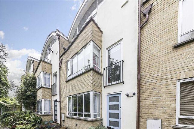 Thumbnail Property to rent in Pepler Mews, London