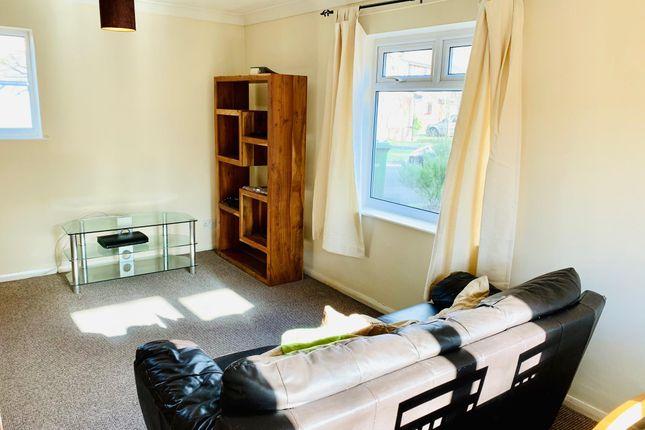 Living Room of Lindholme Road, Lincoln LN6