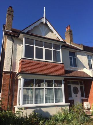 2 bed flat to rent in Westfield Road, London