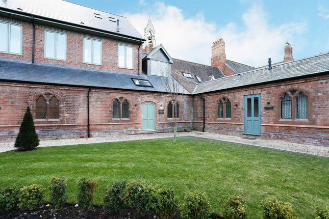 Thumbnail Flat for sale in Rising Lane, Knowle, Solihull