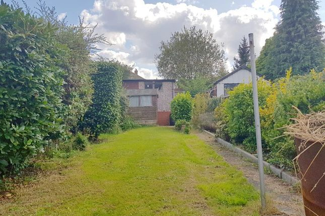 Photo 17 of Slaithwaite Road, West Bromwich, West Midlands B71