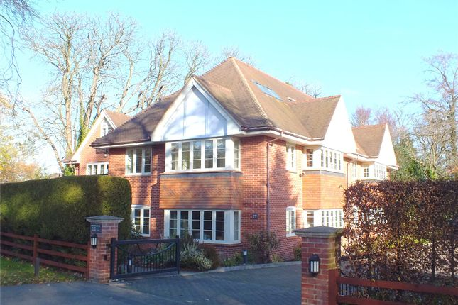 Thumbnail Flat for sale in Waters Edge, Reading Road South, Fleet