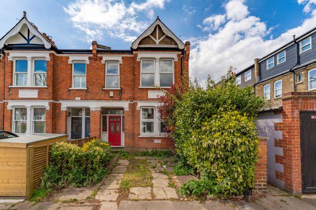 Thumbnail Flat for sale in Radbourne Avenue, London