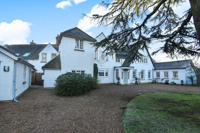 Thumbnail Detached house to rent in Penn Road, Knotty Green, Beaconsfield