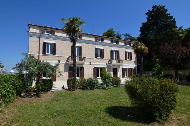 Thumbnail Villa for sale in Ancarano, Teramo, Abruzzo, Italy
