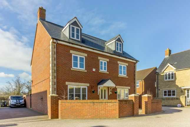 Thumbnail Detached house for sale in Callington Road, Swindon