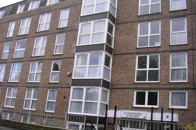 Thumbnail Flat to rent in Cumberland Gardens, St Leonards