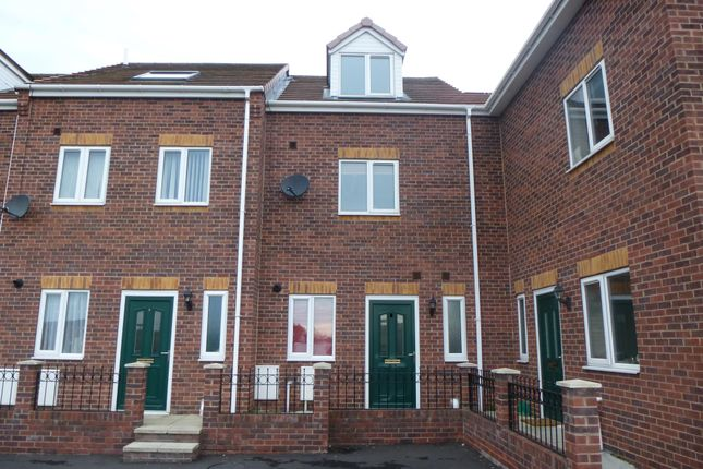 Thumbnail Town house to rent in Ealands Close, Little Houghton, Barnsley