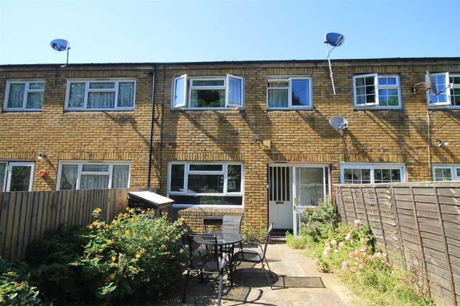Thumbnail Property to rent in Garrick Close, London