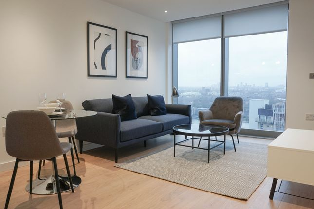Thumbnail Flat to rent in Landmark Pinnacle, 10 Marshwall, London