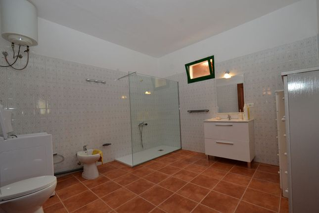 Bathroom of La Mata, Tiquital 8, Spain
