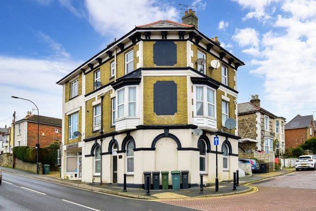 Thumbnail Flat to rent in St. Johns Road, Ryde