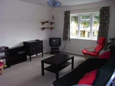 Thumbnail Flat to rent in Gladridge Close, Earley, Reading