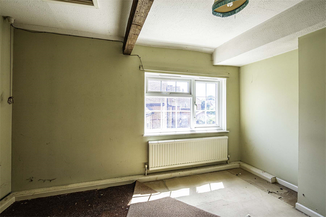 Terraced house for sale in 19 Horn Street, Compton