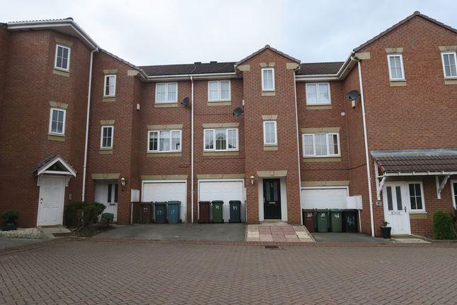 Thumbnail Town house to rent in Kensington Way, Middleton, Leeds