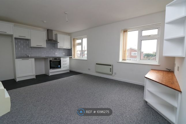 1 bed flat to rent in Stanley Road, Rochford SS4