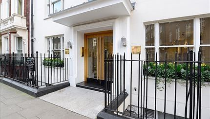 2 bed property to rent in Hill Street, Mayfair, London