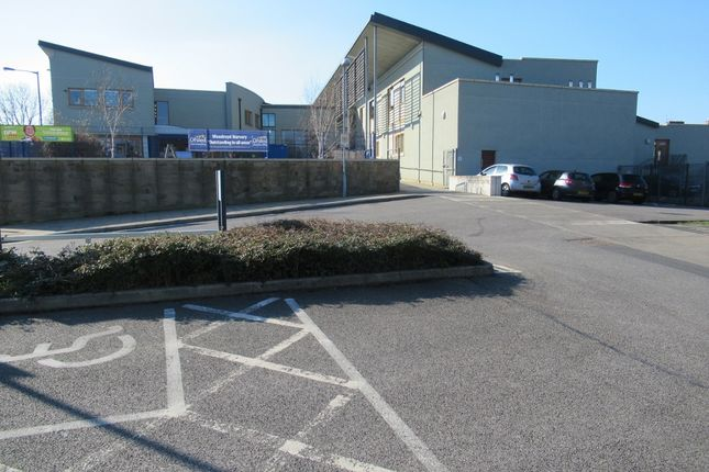 Office to let in Woodroyd Road, Bradford