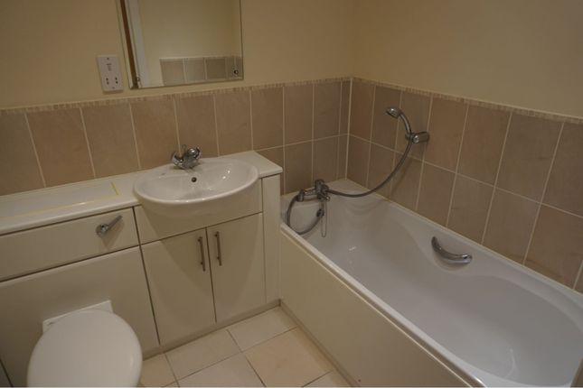 Bathroom of Squirrel Walk, Wokingham RG41