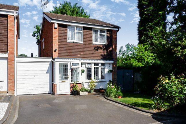 Parkfield Close, Two Gates, Tamworth B77
