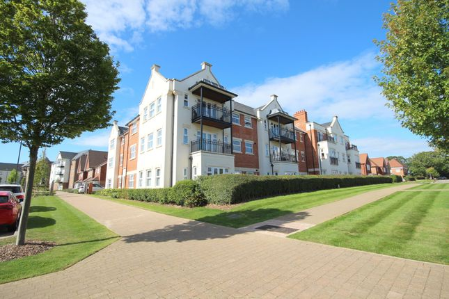 Thumbnail Flat for sale in Eaton Place, Highwood, Horsham