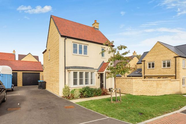 3 bed detached house for sale in Gregory Place, Witney OX29