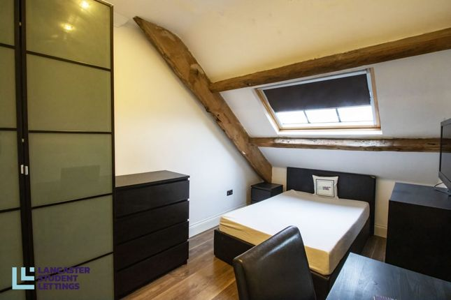 1 bed flat to rent in Rhodes House, 112 St Leonards Gate, Flat 11 LA1