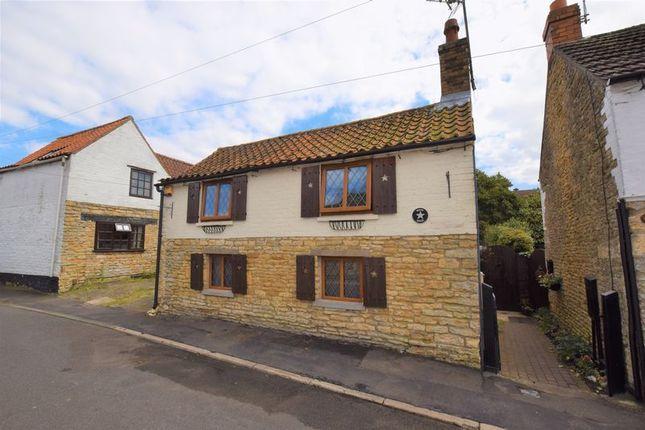 Thumbnail Cottage to rent in Far Lane, Waddington, Lincoln