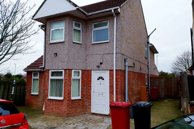 Thumbnail Detached house to rent in Henry Road, Slough