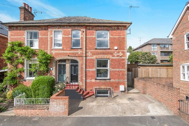Thumbnail Detached house to rent in Stuart Road, High Wycombe