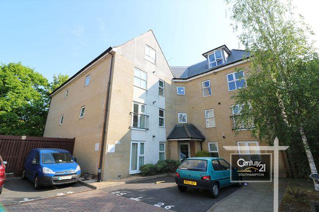Thumbnail Flat for sale in Lindoe Close, Southampton