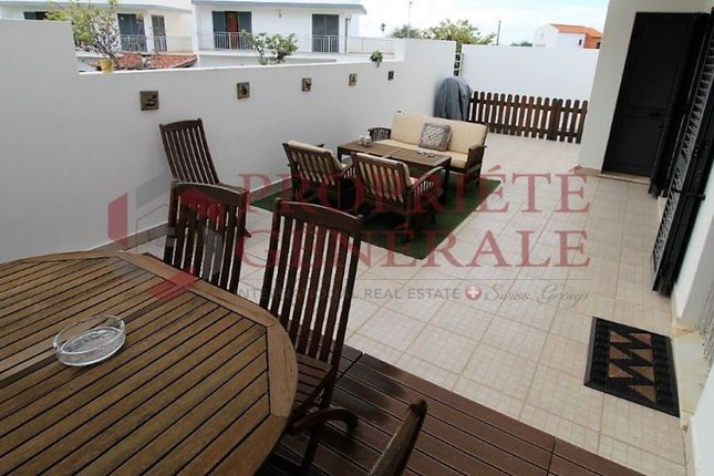 Terraced house for sale in Peares, Quelfes, Olhão