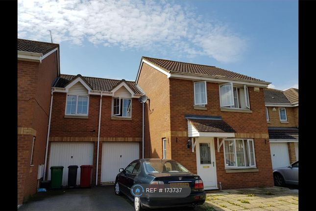 Thumbnail Semi-detached house to rent in Formby Close, Langley