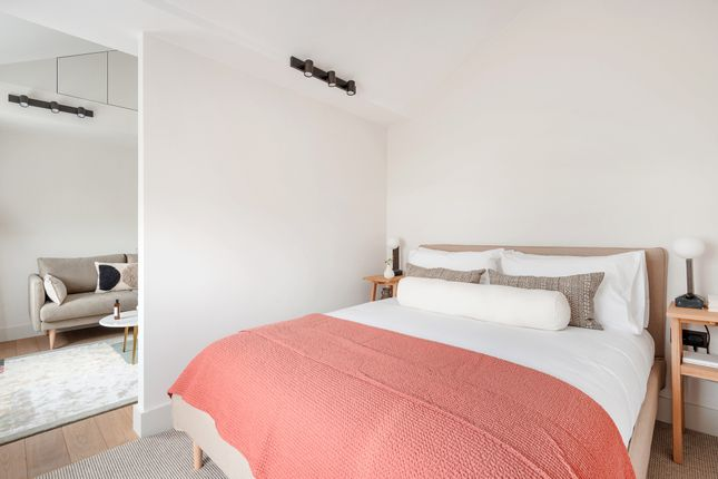 Thumbnail Flat to rent in Notting Hill Gate W11, London