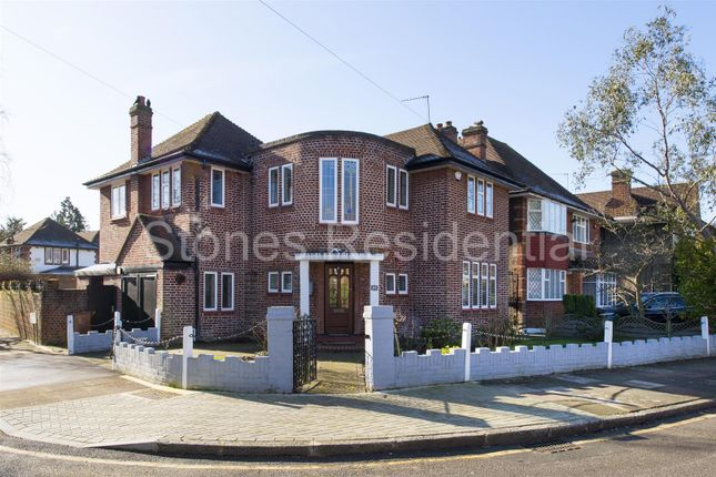 Thumbnail Property for sale in Cavendish Drive, Canons Park, Edgware