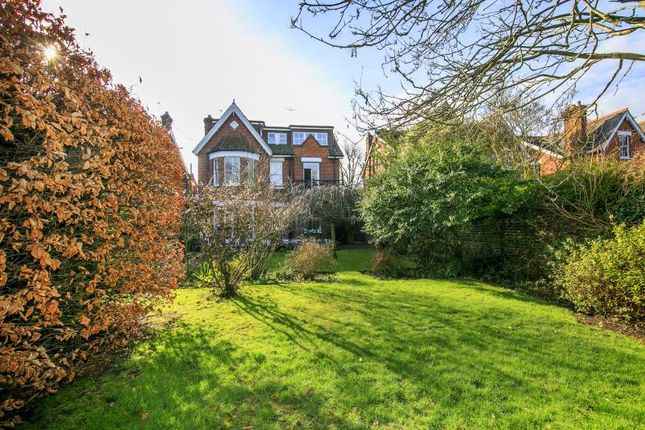 6 bed property for sale in Holmesdale Road, Kew