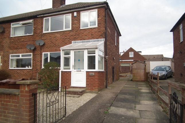 3 bed end terrace house to rent in Westfield Drive, Yeadon, Leeds LS19