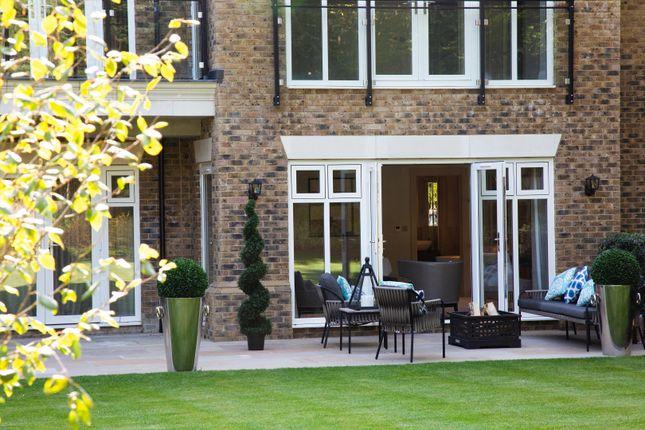 Thumbnail Flat for sale in 1 Osborne House, Charters Road, Sunningdale, Berkshire