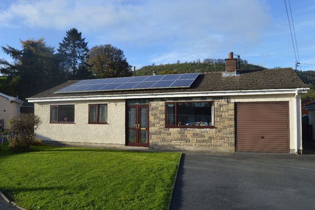 3 bed bungalow to rent in Bronwydd Arms, Carmarthen SA33