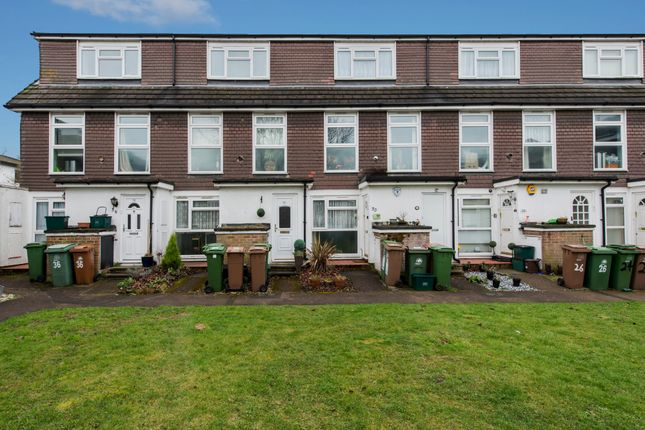 Thumbnail Maisonette for sale in Waleton Acres, Carew Road, Wallington