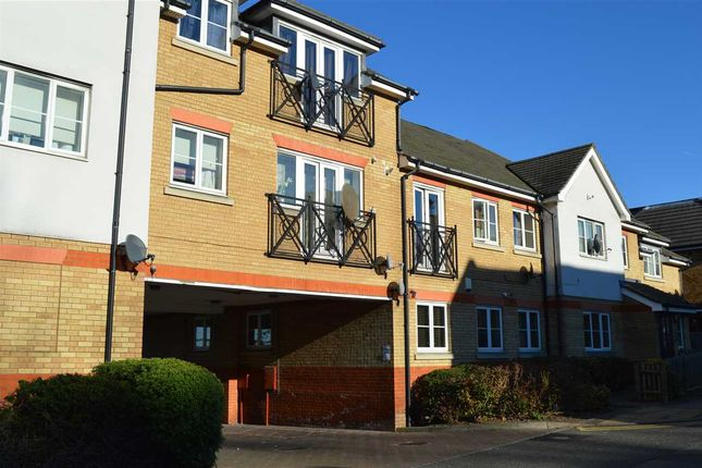 Thumbnail Flat for sale in Charles Street, Greenhithe