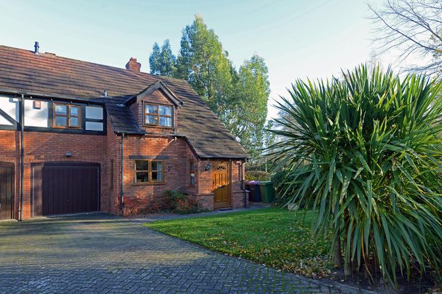 3 bed property for sale in Mere Grove, Telford