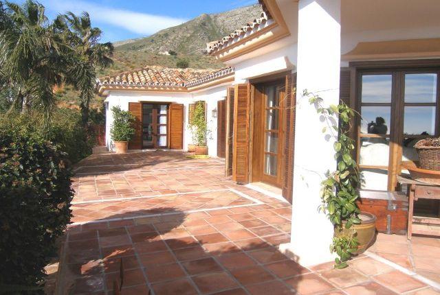 Villa And Guest Apartment