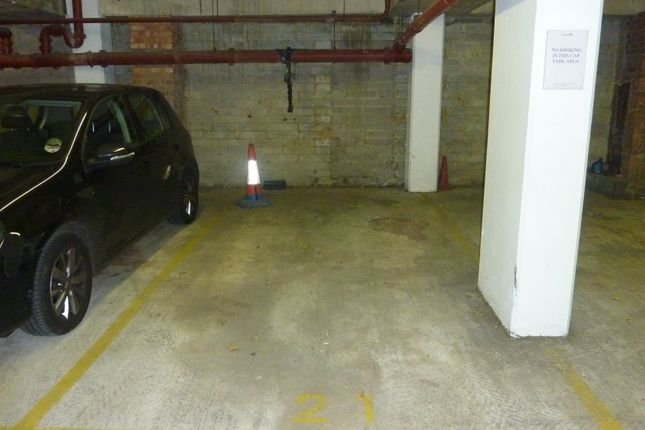 Thumbnail Parking/garage to rent in Redan Place, Bayswater