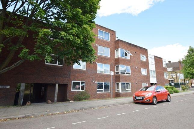 Thumbnail Flat to rent in Victoria Villas, Richmond, Surrey