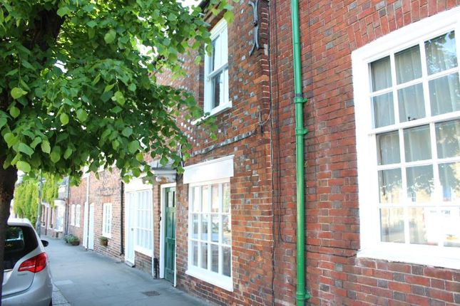 Thumbnail Terraced house to rent in High Street, Hungerford