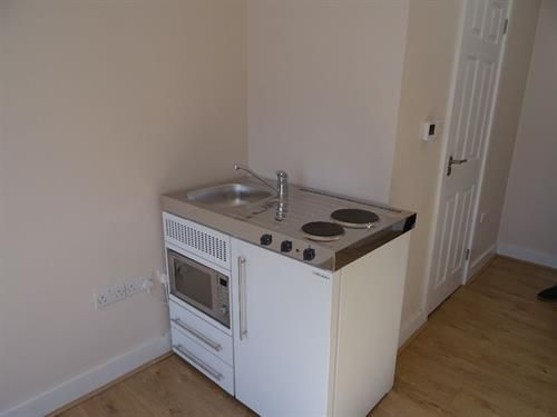 Studio to rent in Minterne Avenue, Southall UB2