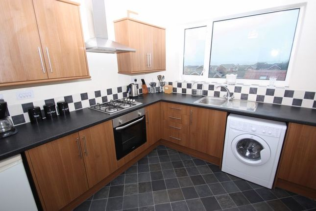 Thumbnail Flat to rent in Larks Hill, Pontefract